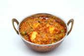 Cheese and peas indian style dish mutter paneer — Stock Photo
