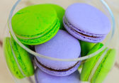Macarons close-up in glass bowl — Stock Photo