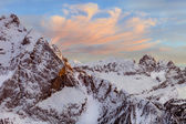 Winter landscape of high snowy mountains — Stock Photo