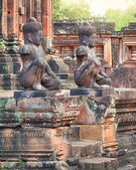 Banteay Srei temple Dvarapala statues, Cambodia — Stock Photo