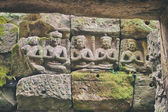 Carved statues, Angkor, Cambodia — Stock Photo