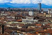 Panoramic view on Turin and Alpes from Mole Antonelliana — Stock Photo
