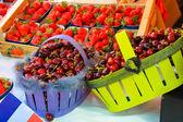 Two baskets of fresh cherry — Foto de Stock
