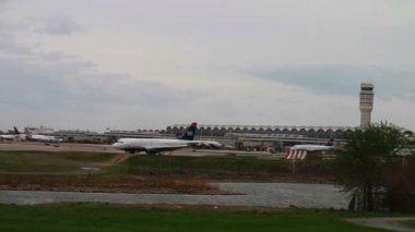 Ronald Reagan Washington National Airport — Stock Video