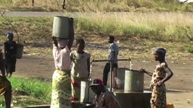Getting Water From Well In Africa — Stock Video