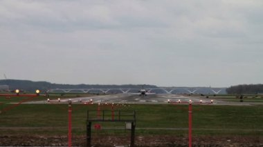 Jet Airplane Landing and Taking off — Stok video