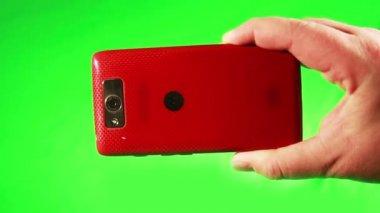 Usando um telefone inteligente — Vídeo stock