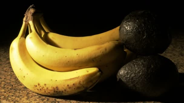 Bananas and avocados — Vidéo