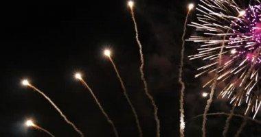 Fireworks against dark sky — Stock Video