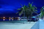 Playa de arrecife en el crepúsculo — Foto de Stock