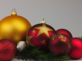 Christmas balls with twig of pine. — Stockfoto