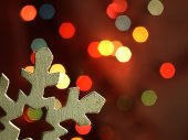 Huge snowflake and magic bokeh. — Stock Photo