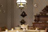 Antique dining room — Stockfoto