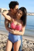 Kiss on the beach — Stock Photo