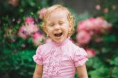 The little girl in a pink t-shirt 2 — Stock Photo
