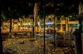 Caffè di strada su un autunno piovoso. tampere. finlandia. — Foto Stock