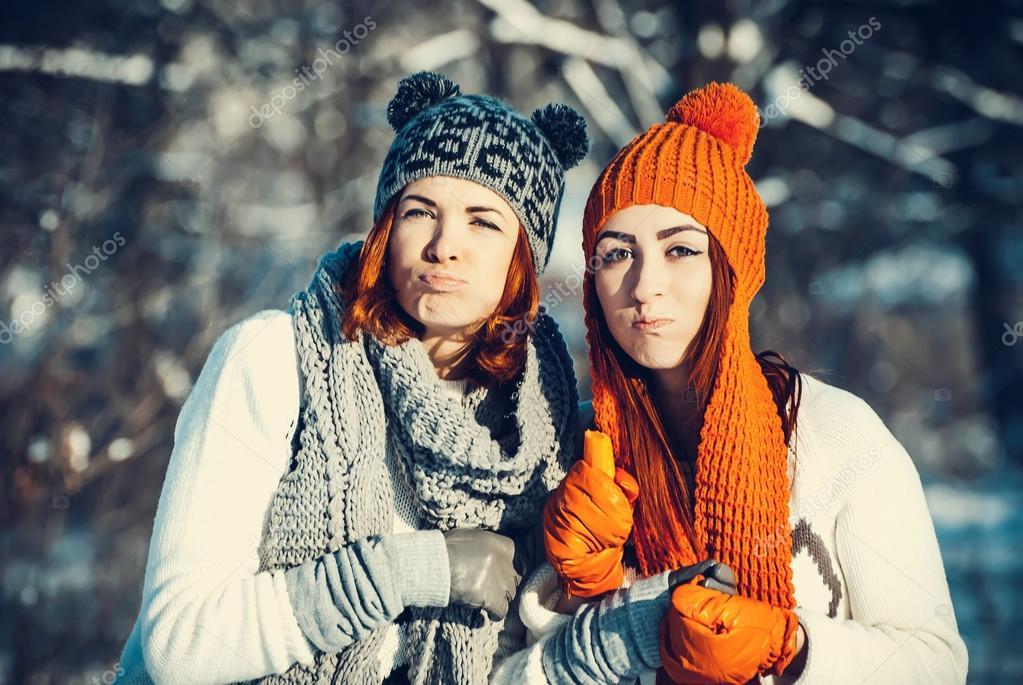 Картинки две подруги зимой