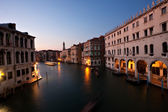Venice at night. Canale Grande taken from the Rialto Bridge. — Stock Photo