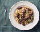 Seafood linguini on plate — Foto de Stock
