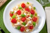 Spaghetti with cherry tomatoes — 图库照片