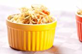 Chinese rice noodles with vegetables — Stock Photo