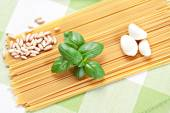Ingredients for the spaghetti al pesto — Stock Photo