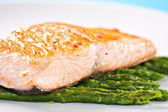 Fillet of salmon with asparagus — Stock Photo