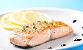 Fillet of salmon on a plate — Stock Photo