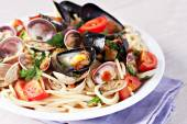 Seafood spaghetti on the plate — Stock Photo