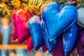 芳香族和多彩多姿的装饰站在圣诞市场 — 图库照片