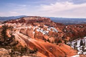 Snow on sandy slopes of Bryce Canyon, Utah, USA — Foto de Stock