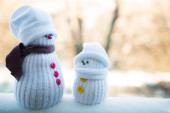 Two toy snowmen - mother and kid — Foto de Stock