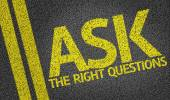 Ask the Right Questions written on road — Stock Photo