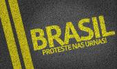 Brasil, Proteste nas Urnas written on road — Stock Photo