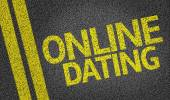 Online Dating written on the road — Foto de Stock