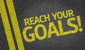 Reach your Goals! written on the road — Stock Photo