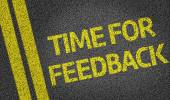 Time for a Feedback written on the road — Foto Stock