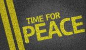 Time for Peace written on the road — Stock Photo