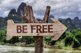 Be Free wooden sign — Stockfoto