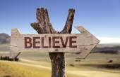 Believe  wooden sign — Stockfoto