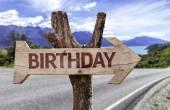 Verjaardag houten teken — Stockfoto