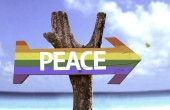 Peace  wooden colorful sign — Stockfoto