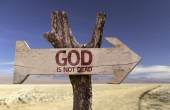 God in not dead   wooden sign — Stock Photo