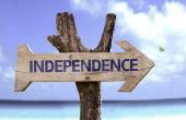 Independence     wooden sign — Stock Photo