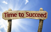 Time to Succeed wooden sign — Stockfoto