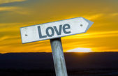 Text Love on sign — Stockfoto