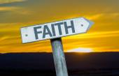 Text Faith  on sign — Foto de Stock
