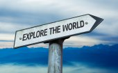 Explore the World sign — Stock Photo