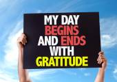 My Day Begins and Ends with Gratitude card — Stock Photo
