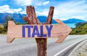 Italy wooden sign — Stock Photo